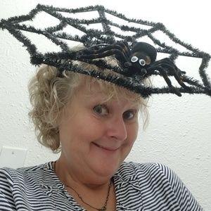 Halloween Fasinator hat spider & web black